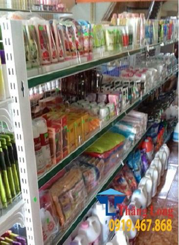 Lắp đặt kệ siêu thị bày hàng mỹ phẩm cho cửa hàng Minh Kiều, Sầm Sơn