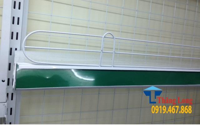 Rào sắt chắn hàng siêu thị