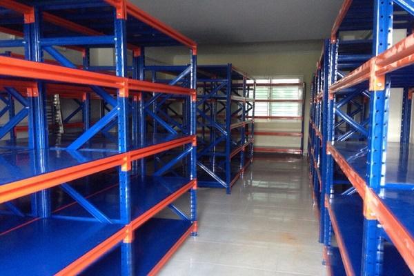 Kệ hàng trung tải Thăng Long có chất lượng độ bền cao