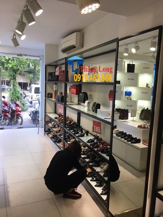Thanh lý toàn bộ kệ để giày dép túi xách từ 3tr750